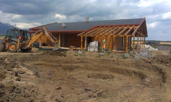 stavba drevogaráže